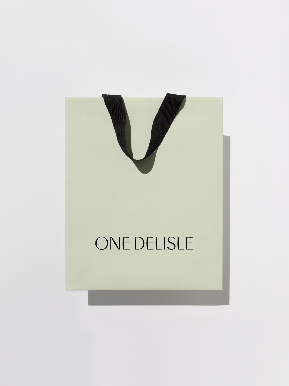Vanderbrand_OneDelisle-11-RetailBag