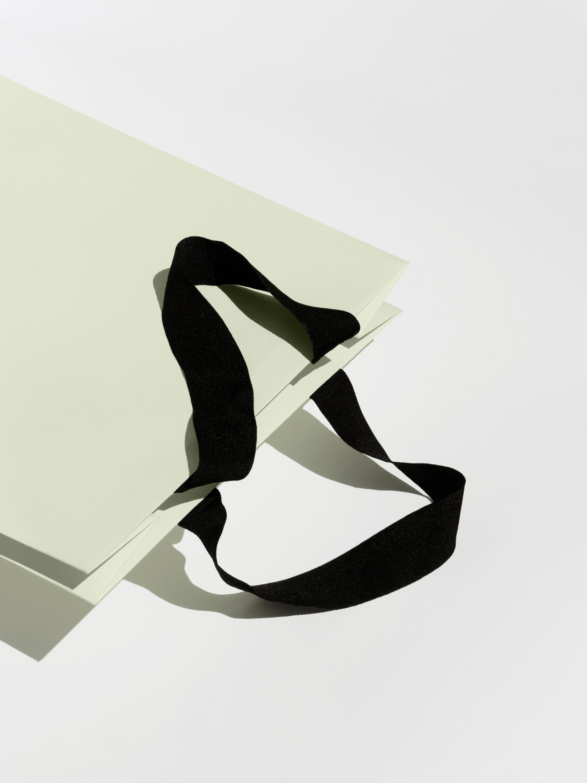 Vanderbrand_OneDelisle-12-RetailBag